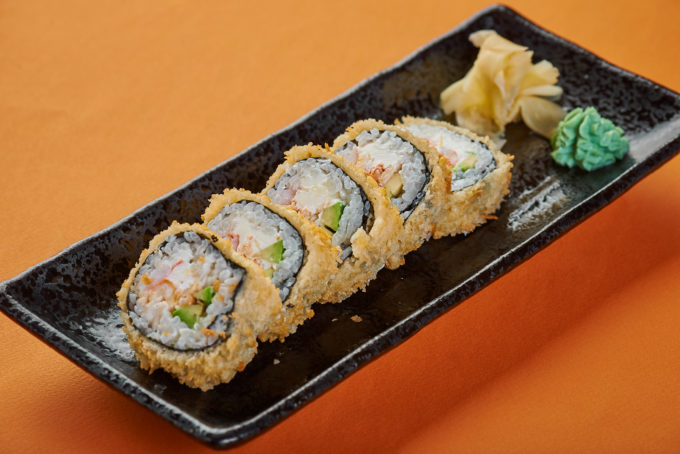 Hong Kong roll with crab, shrimp, cream cheese and crispy Panko 750₽
