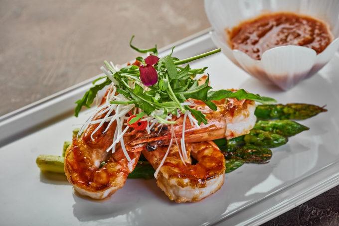 King shrimp with Asparagus and Tar Tar Sauce 2500₽