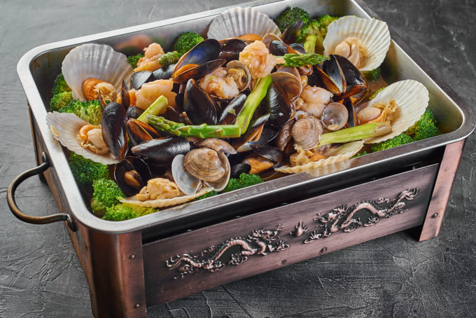 Seafood with broccoli in a hot pan 4900₽