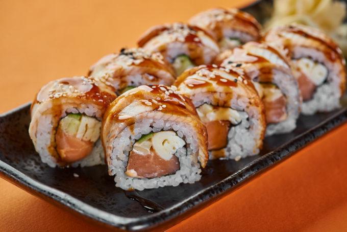 鱼子酱三文鱼鳗鱼寿司 900₽