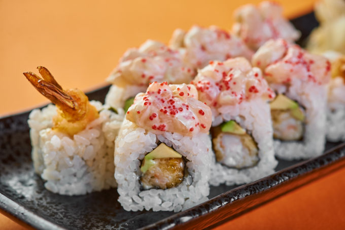Roll with tempura shrimp and scallop 850₽