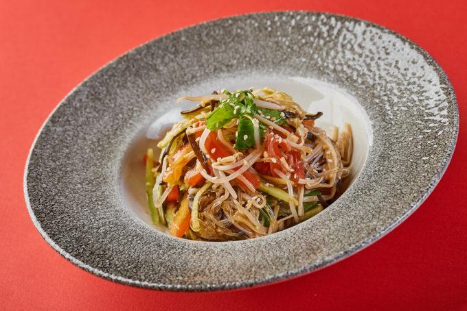 Salad with cellophane noodles and crispy vegetables 600₽