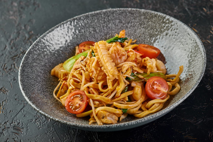 Egg noodles with seafood